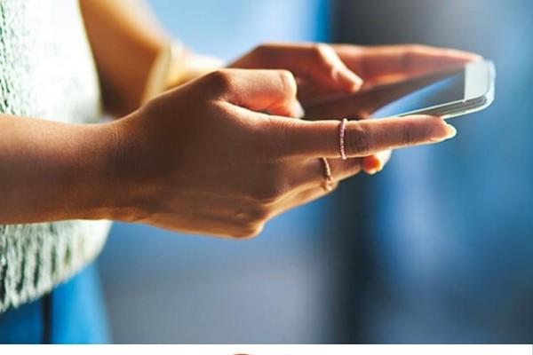 Platba kartou s využitím mobilní aplikace